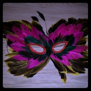 Accessories - Feathered Masquerade Face Mask